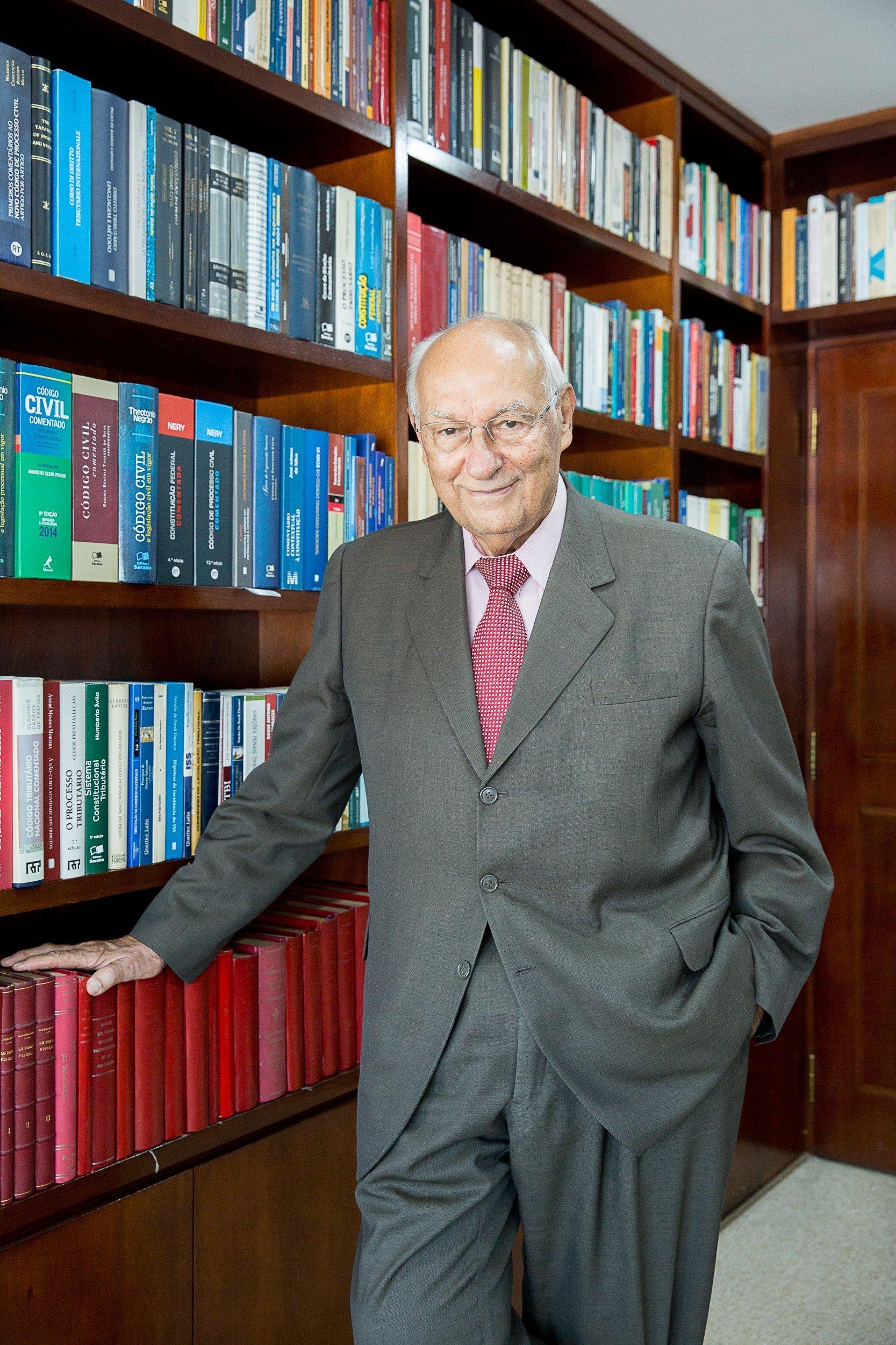 Palestra sobre Conjuntura Nacional no Brasil